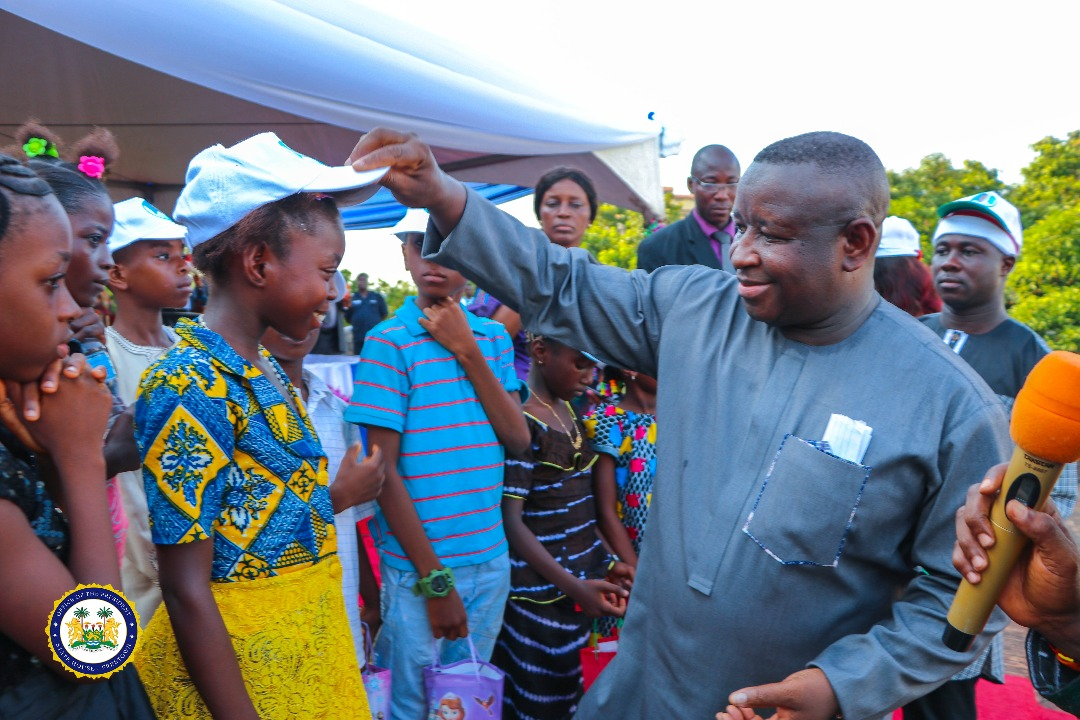 President Julius Maada Bio gives a Christmas treat, dines with 800 disadvantaged kids at State House